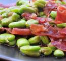 Verse tuinbonen met ham en tomaat