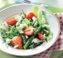 Volsmaak week 17 aardbeien asperge salade